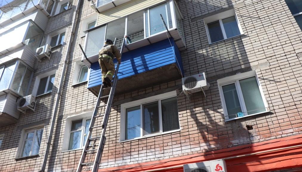 Огнеборцы пгт Прогресс ликвидировали возгорание в квартире
