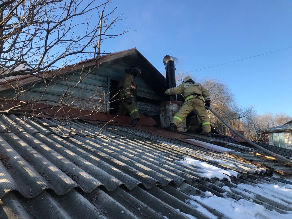 В поселке Бурея горел двухквартирный жилой дом
