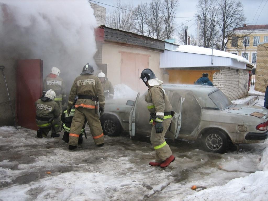 В Зее огнеборцы ликвидировали возгорание гаража