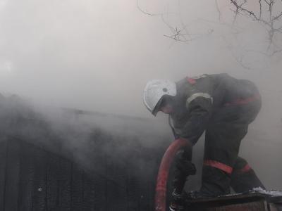 В Екатеринославке пожарные спасли баню