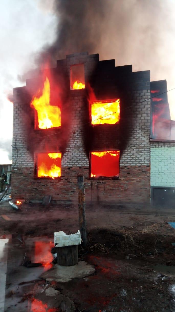 В Свободненском районе пожарные ликвидировали пожар на частном подворье