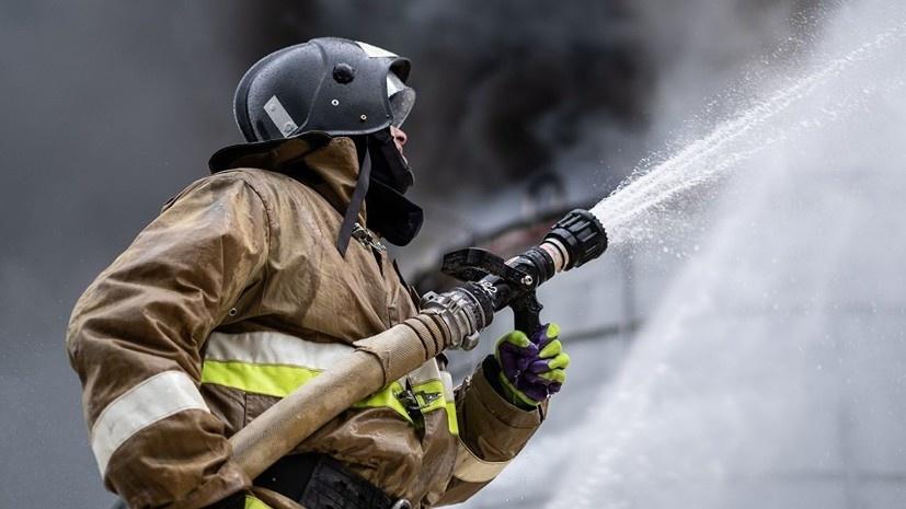 В Свободном огнеборцы ликвидировали возгорание на частном подворье
