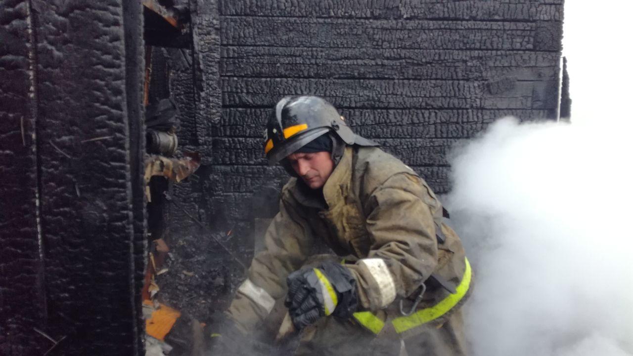 Белогорские огнеборцы тушили хозяйственную постройку