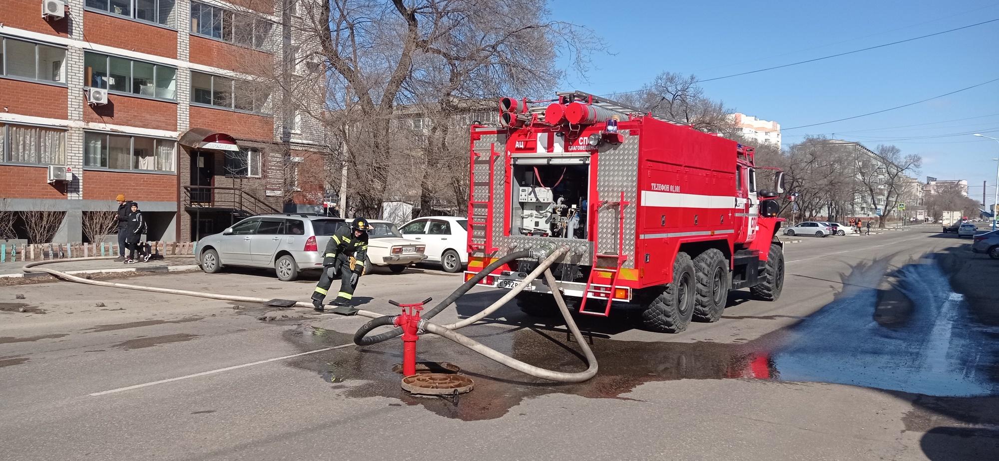 В Архаре огнеборцы ликвидировали возгорание двухквартирного жилого дома