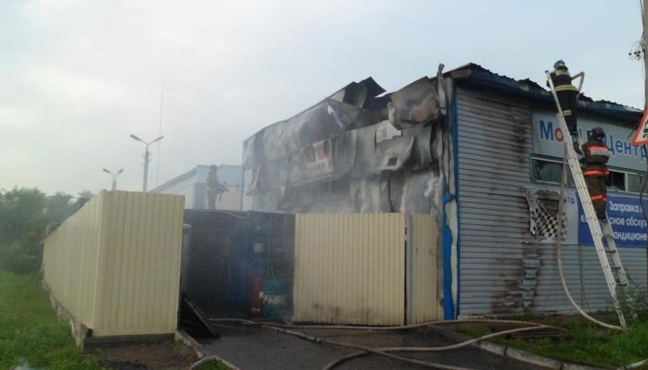 В Архаринском районе пожарные ликвидировали возгорание гаража