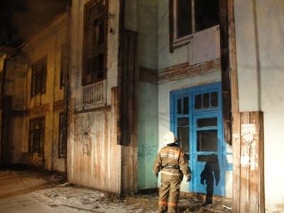 В Шимановске пожарные ликвидировали возгорание неэксплуатируемого строения